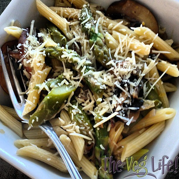 Penne with Asparagus and Mushrooms {Vegan} - TheVegLife