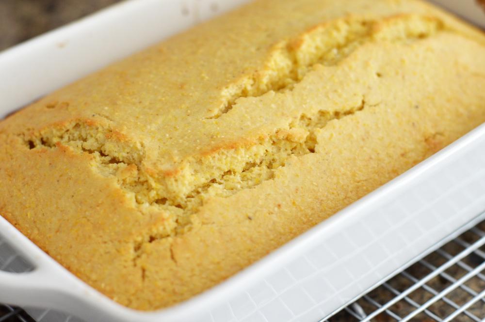 Baked Fluffy Cornbread {Vegan}