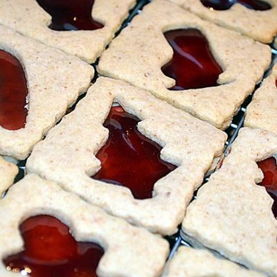 Pecan Raspberry Linzer Cookies {Vegan}