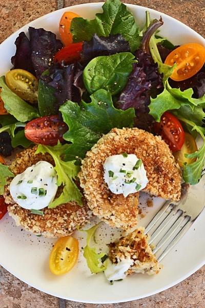 Cauliflower Cakes with Sour Cream Herb Sauce {Vegan}