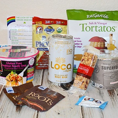 REVIEW:  'VEGAN CUTS' Monthly Snack Box Subscription Service