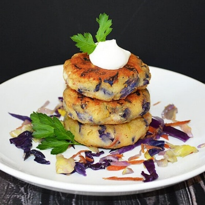 Leftover Irish Colcannon Cakes (Mashed Potato & Cabbage) – {Vegan}