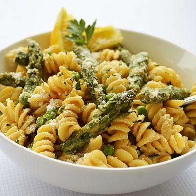 Lemon Cream Pasta with Asparagus & Peas {Vegan}