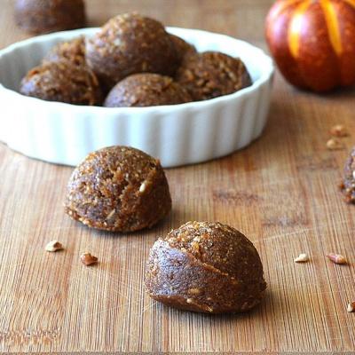 Pumpkin Pecan LaraBITES {Vegan}