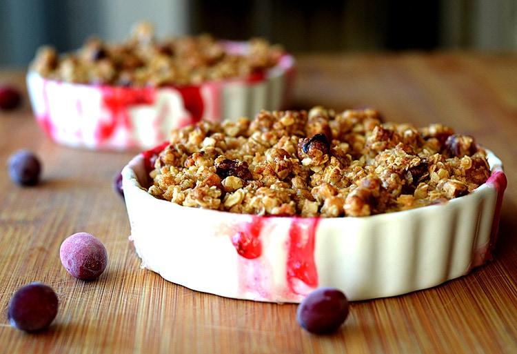 Easy Cranberry Apple Crisp {Vegan} - TheVegLife
