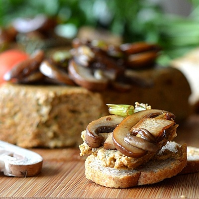 Wild Mushroom Pate {Vegan}