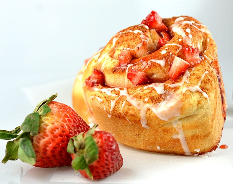 Strawberry Cinnamon Rolls with Lemon Glaze Recipe {Vegan}