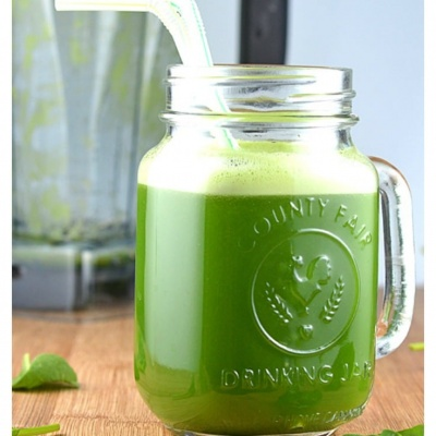 Healthy Vegan Green Juice in a Blender!