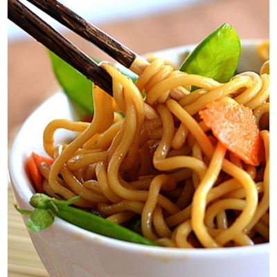 MEATLESS MONDAY Sesame Noodles {Vegan}