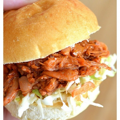Vegan Pulled Jackfruit Sandwiches