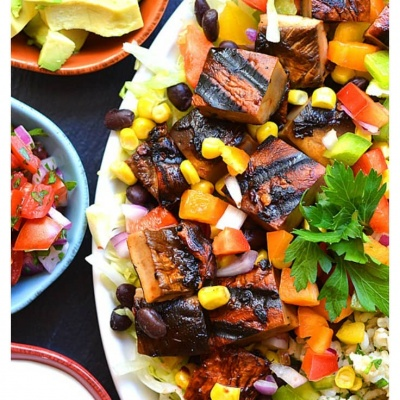 Spicy Chipotle Portobello Burrito Bowl with WHOLE30 OPTION!!!