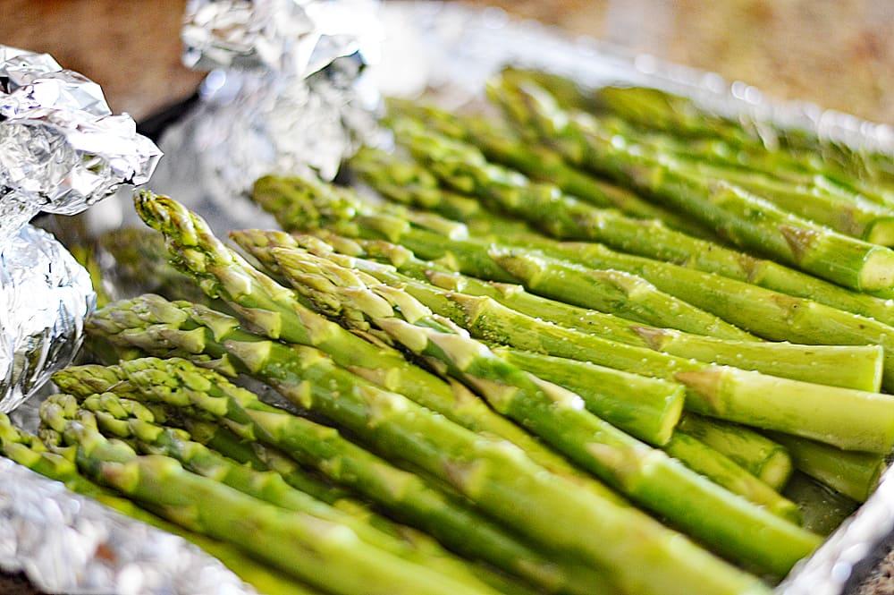 Vegan Roasted Garlic Asparagus Soup