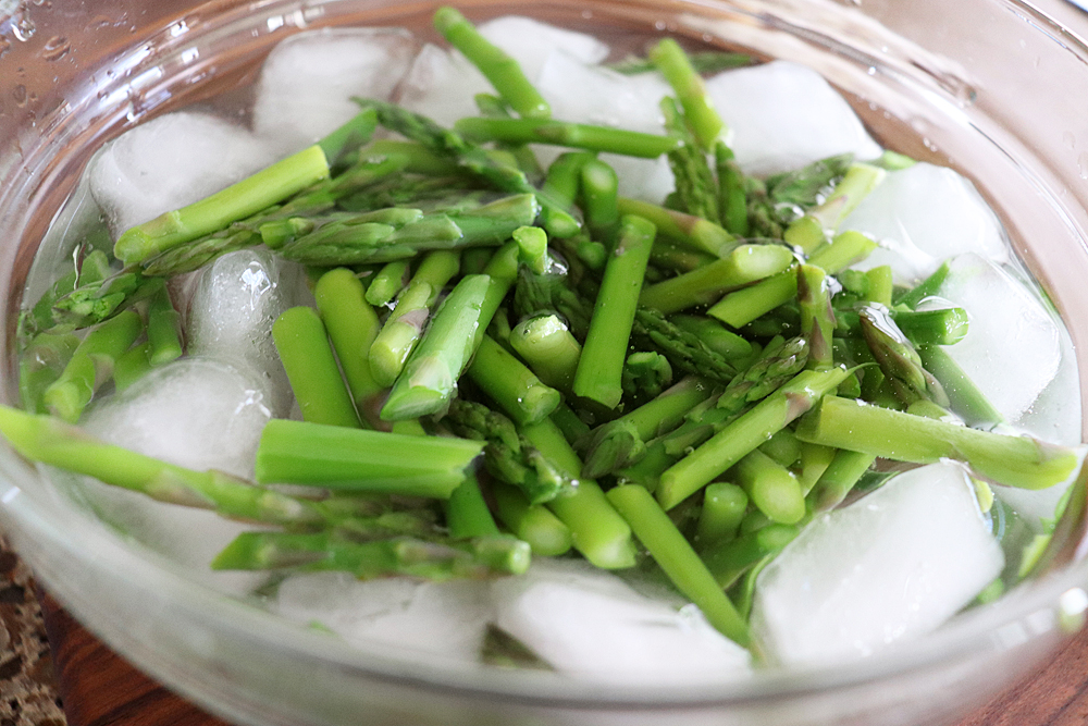 Asparagus in an ice bath