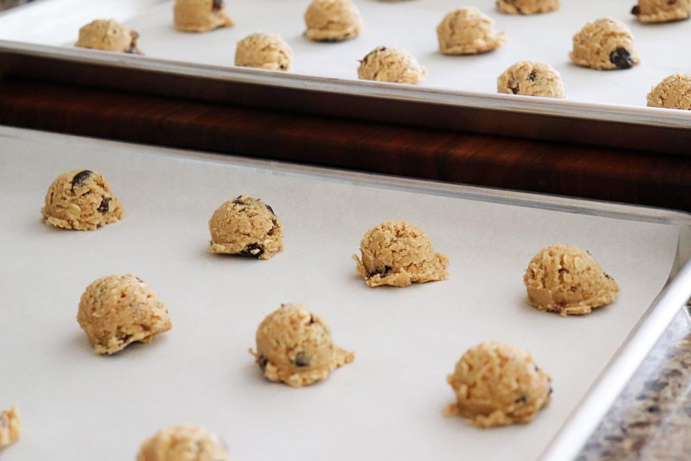 Small scoops of oatmeal raisin dough